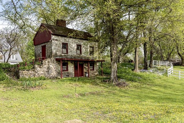 menší dům na vesnici