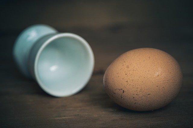 vejce na tvrdo před oloupáním