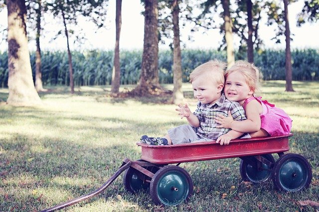 děti na vozíku