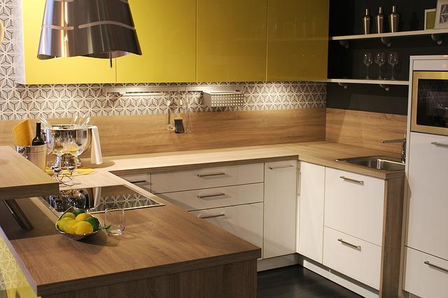 zářivka v kuchyni