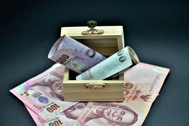 peníze v truhličce