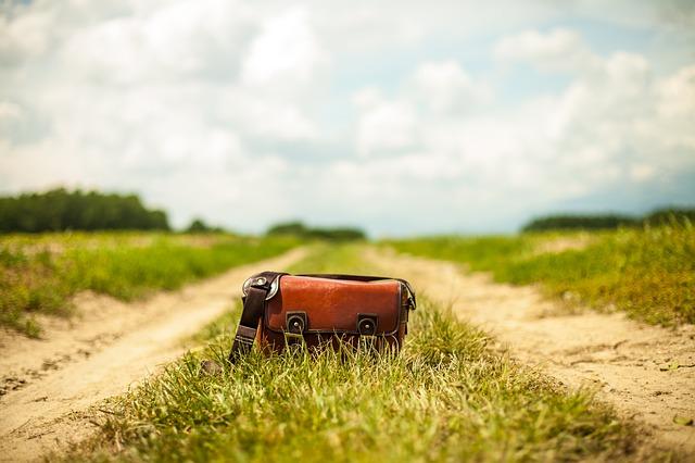 taška na cestě