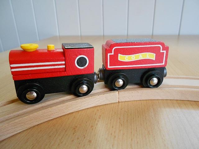 dřevěný vlak hračka