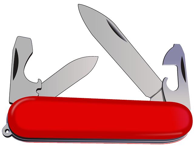 Víceúčelový zavírací nůž