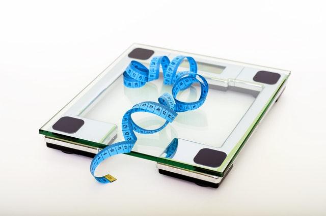 měření hmotnosti, váha, metr